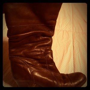Vintage Italian dark brown leather boots.